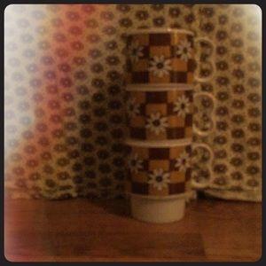 Other - Three groovy coffee/tea cups